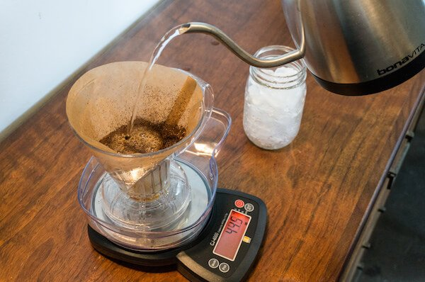 Digital coffee scale for pour over