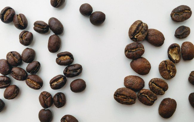 Kenya AA on the right side, peaberry on the left